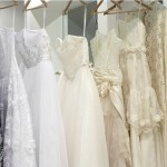 Какого цвета белое платье невесты