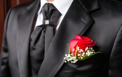 Подготовка жениха к свадьбе. Костюм