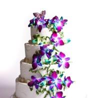 Свадебный торт с живими цветами