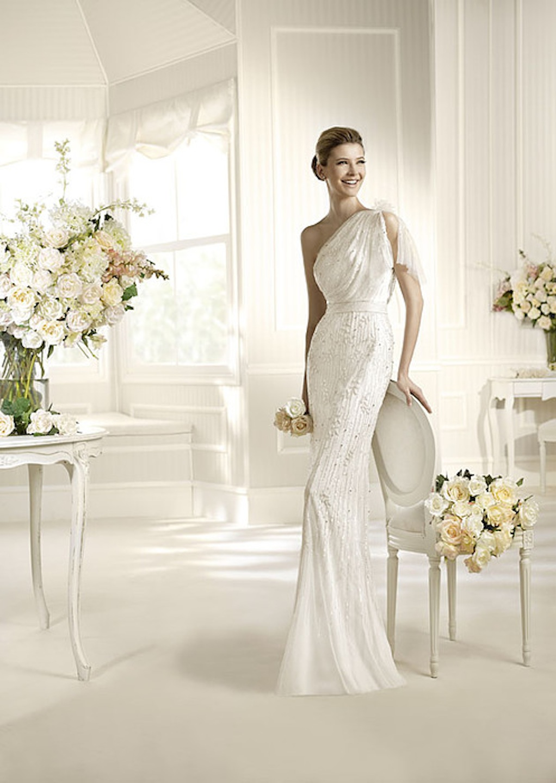 Простое облегающее свадебное платье