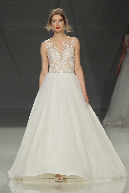 Свадебное платье Demetrios 2018