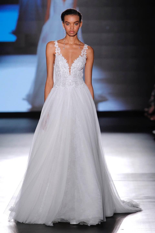 Свадебное платье Rosa Clara 2019